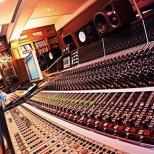 Studios de légende - Aujourd'hui, les studios de La Fabrique à l'honneur. Ces studios…