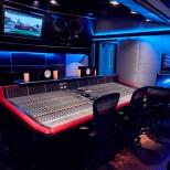 Studios de légende - Aujourd'hui, faisons un petit tour à Los Angeles, plus précisément…
