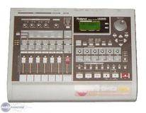 Roland VS-840 Digital 8 Track Recorder