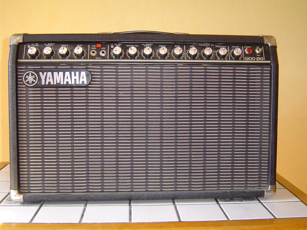 ampli guitare yamaha g100 212 des ann es80 forum stack. Black Bedroom Furniture Sets. Home Design Ideas