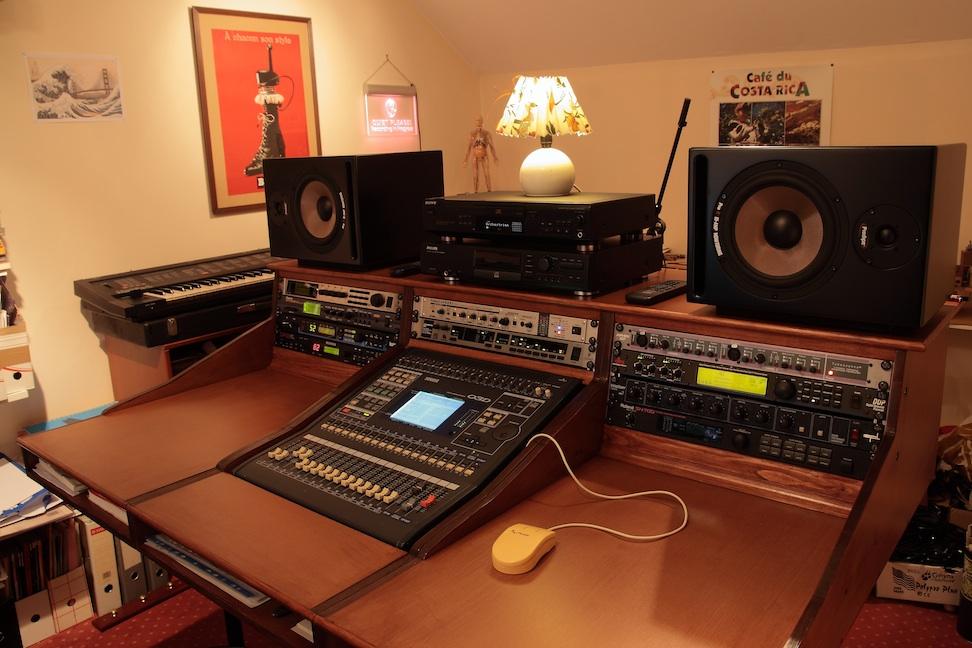 commentaires sur la news bureau zaor miza workstation 2 3 audiofanzine. Black Bedroom Furniture Sets. Home Design Ideas