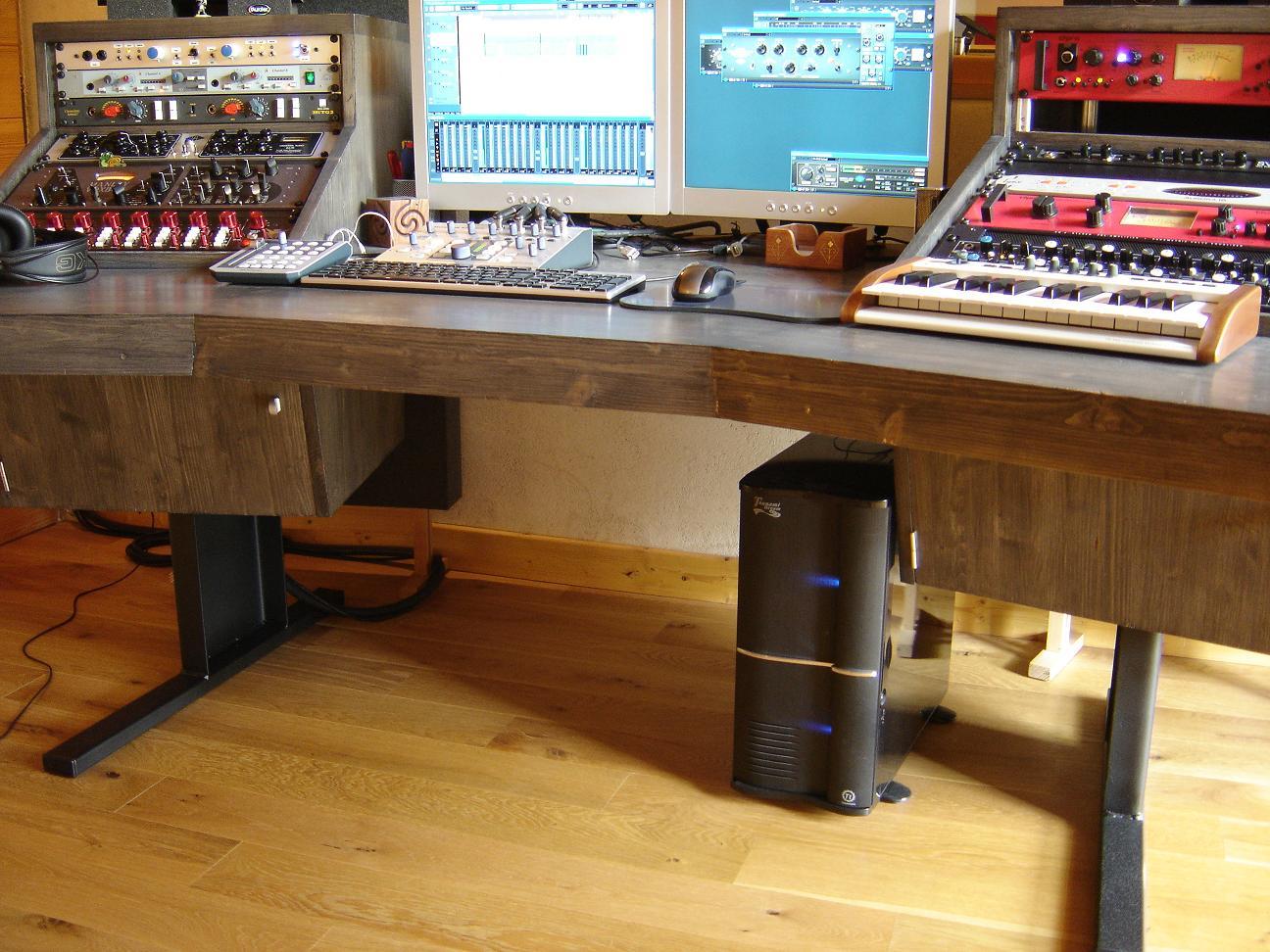 cr ation meuble home studio sur mesure forum mobilier accessoires am nagement studio 4. Black Bedroom Furniture Sets. Home Design Ideas