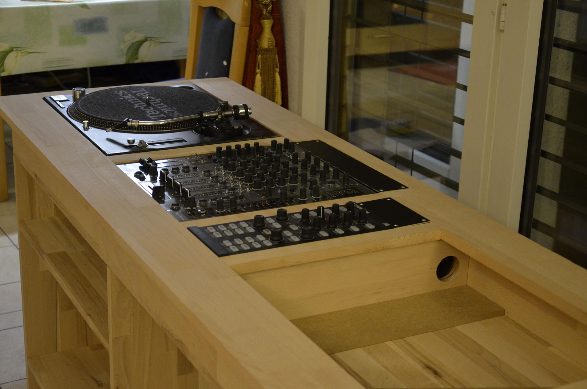 bricolage il est tr s commode ton meuble forum djing 7 10 audiofanzine. Black Bedroom Furniture Sets. Home Design Ideas