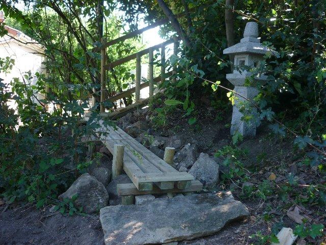 14 faire son jardin japonais chemins et fontaines. Black Bedroom Furniture Sets. Home Design Ideas