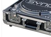Flycases DJing