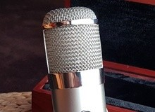 Large diaphragm condenser tube microphones