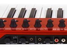 MIDI +オーディオキーボードコントローラー