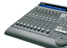 Superfici di Controllo MIDI Motorizzate