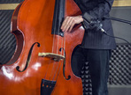 Recording a pizzicato double bass