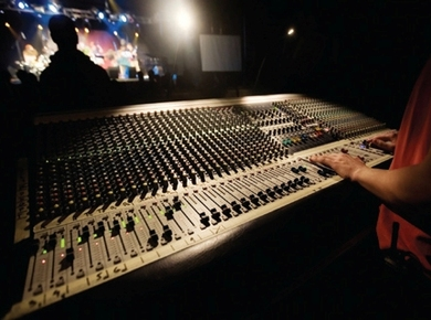 7 Things You Should Never Do While Mixing
