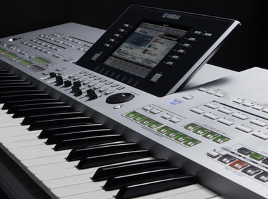 Yamaha Tyros 3 product review : Yamaha Tyros 3: The Arranger