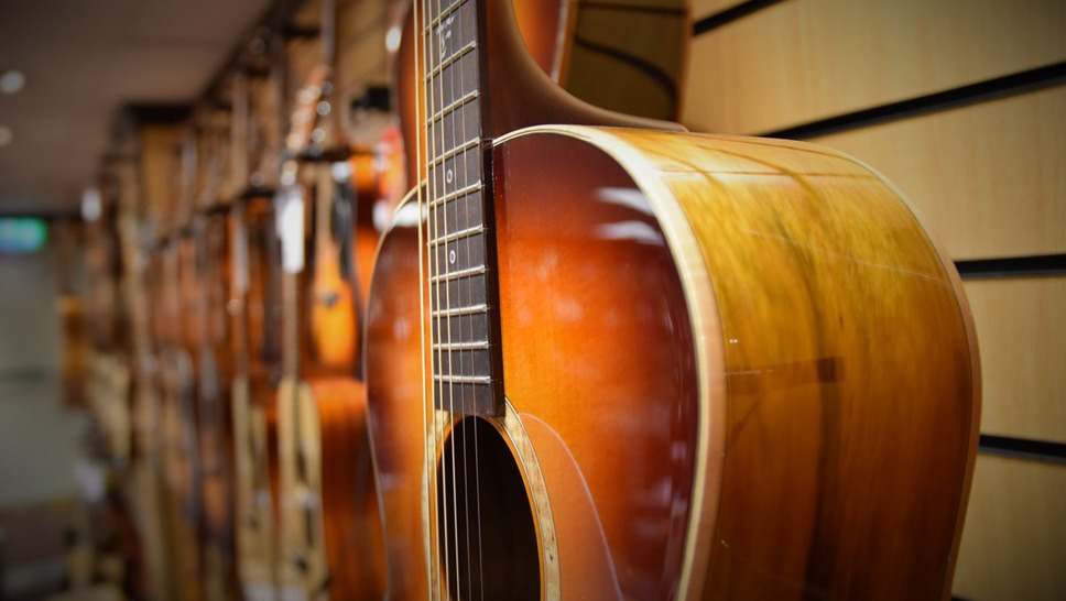 les meilleures marques de guitares acoustiques folk audiofanzine. Black Bedroom Furniture Sets. Home Design Ideas
