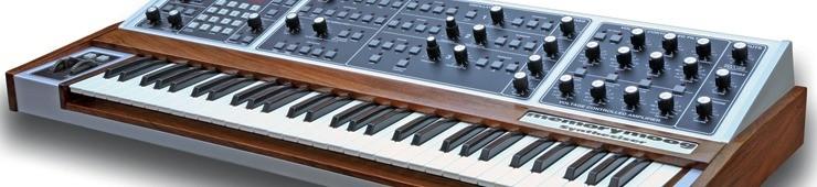 Banc d'essai du synthétiseur analogique avec clavier Moog ...