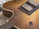 Nettoyer une guitare à vernis cellulosique