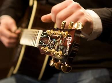 Comparatif de 27 guitares acoustiques