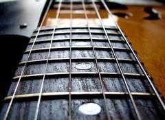Bien choisir son jeu de cordes pour guitare électrique