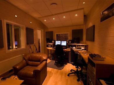 comment amenager son home studio. Black Bedroom Furniture Sets. Home Design Ideas