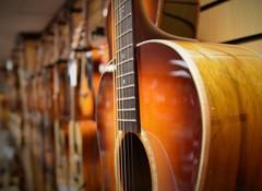 Les meilleures marques de guitares acoustiques Folk