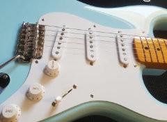 Test de la guitare Edwards E-ST125ALR Sonic Blue