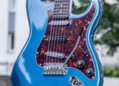 Test de la guitare Eastone STR70T-LPB