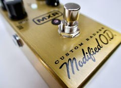 Test de la pédale d'overdrive MXR M77 Custom Badass Modified OD