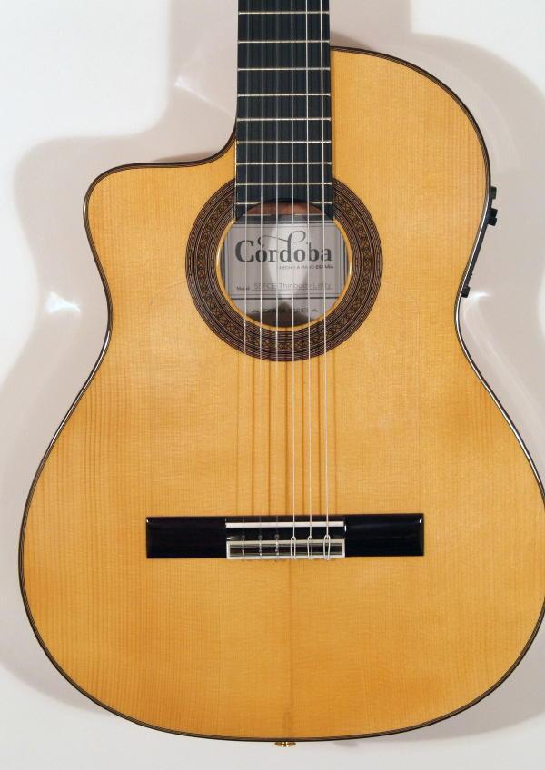 guitare gaucher flamenco