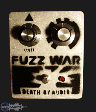 fuzz war death by audio comme neuve rh ne alpes audiofanzine. Black Bedroom Furniture Sets. Home Design Ideas