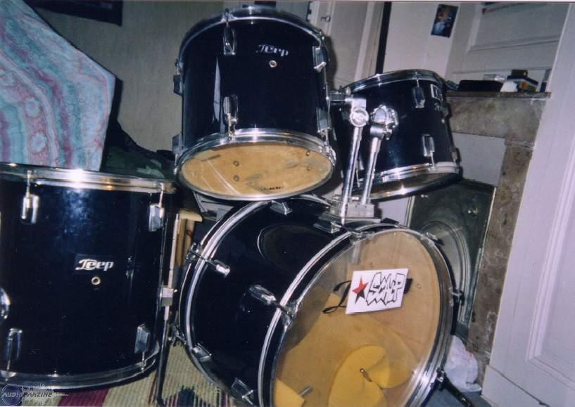 achat deep drums batterie complete d 39 occasion audiofanzine. Black Bedroom Furniture Sets. Home Design Ideas