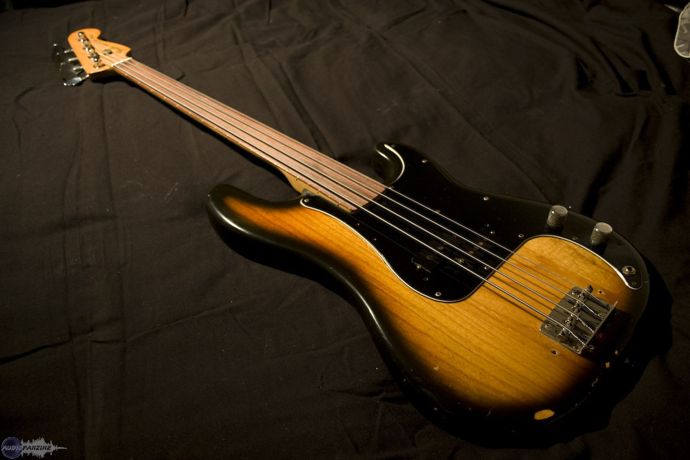 fender precision bass fretless 1978 image 641055. Black Bedroom Furniture Sets. Home Design Ideas