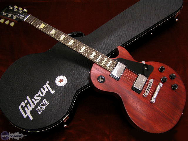 les paul studio faded worn cherry gibson audiofanzine. Black Bedroom Furniture Sets. Home Design Ideas
