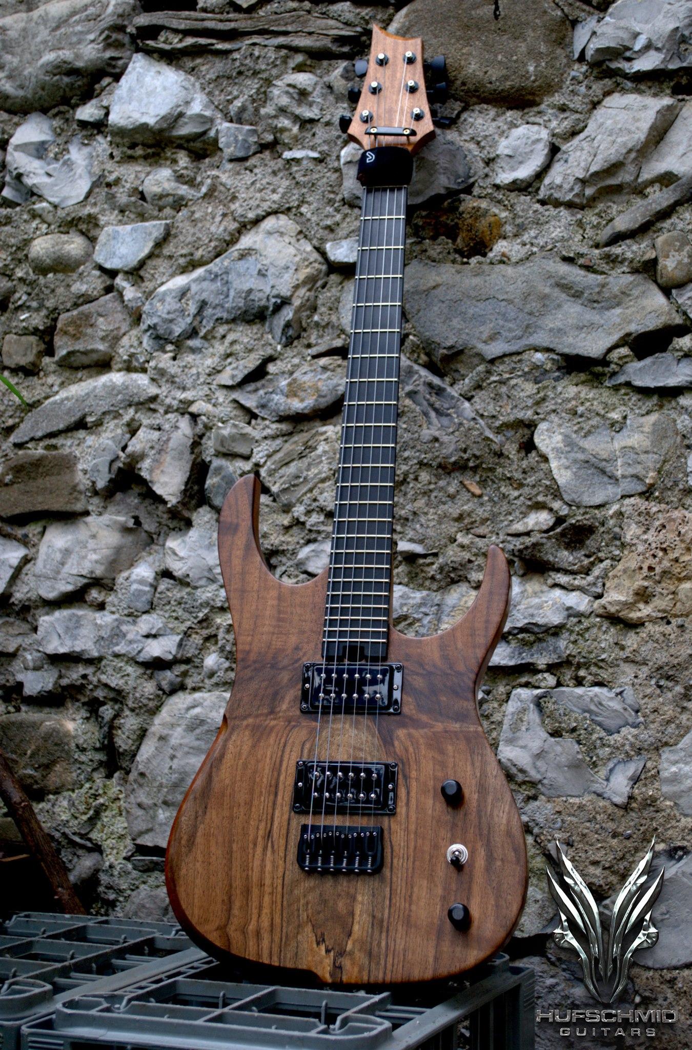 the best guitar i 39 ve ever played reviews hufschmid guitars h6 baritone audiofanzine. Black Bedroom Furniture Sets. Home Design Ideas