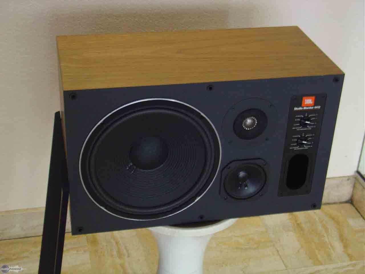 4412 studio monitor jbl 4412 studio monitor audiofanzine. Black Bedroom Furniture Sets. Home Design Ideas
