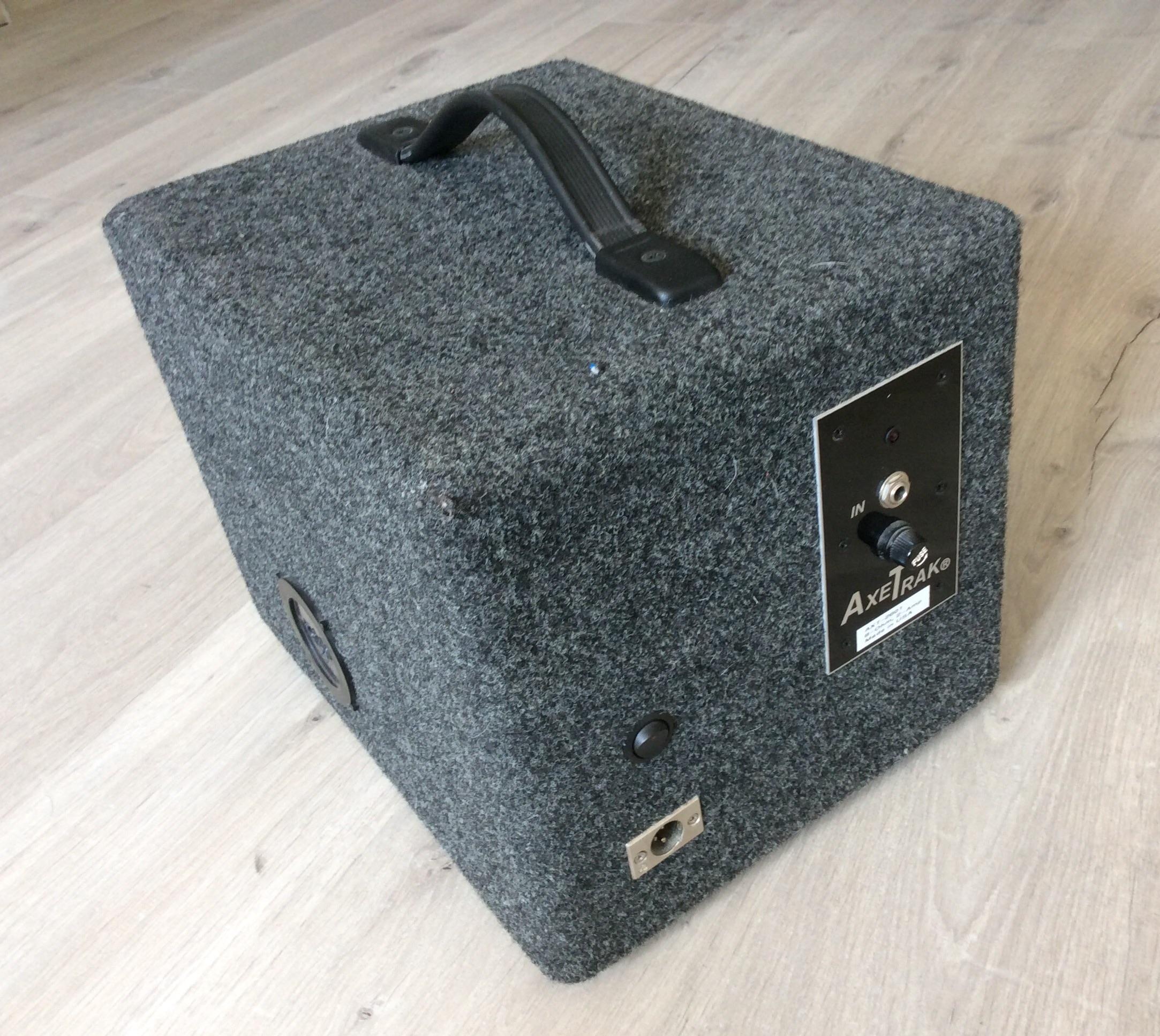 jlh products axetrak isolation cabinet image 342642 audiofanzine. Black Bedroom Furniture Sets. Home Design Ideas
