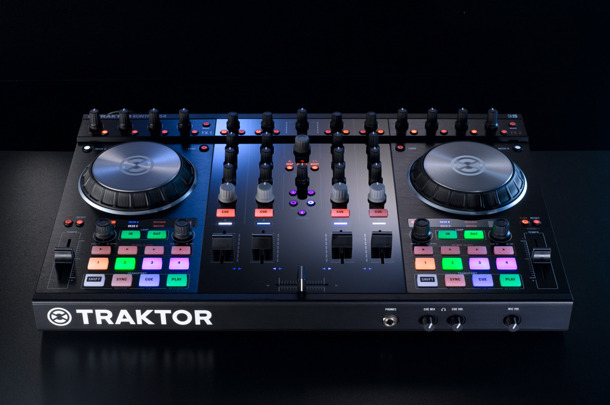 table de mixage traktor occasion
