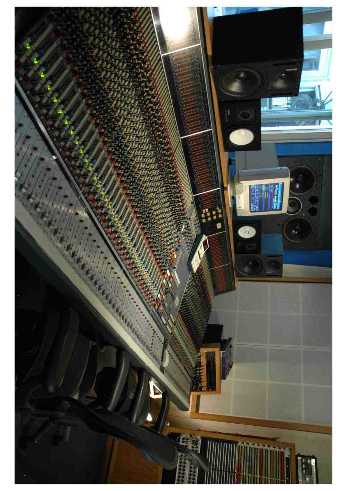Neve vr 60 flying fader d 39 occasion audiofanzine - Console analogique occasion ...