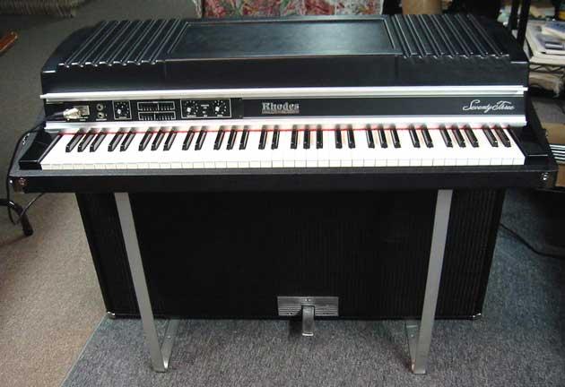 rhodes-mkii-suitcase-199438.jpg
