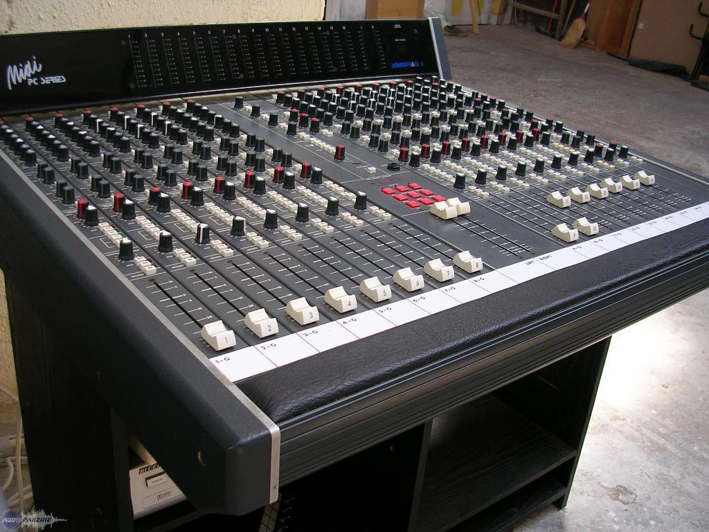 Photo soundtracs pc midi soundtracs pc midi 72526 541794 audiofanzine - Console analogique occasion ...