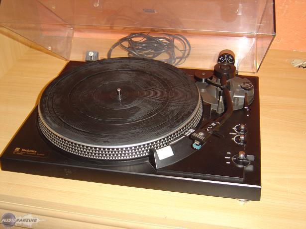 platine vinyle technics sl 2000 occasion. Black Bedroom Furniture Sets. Home Design Ideas