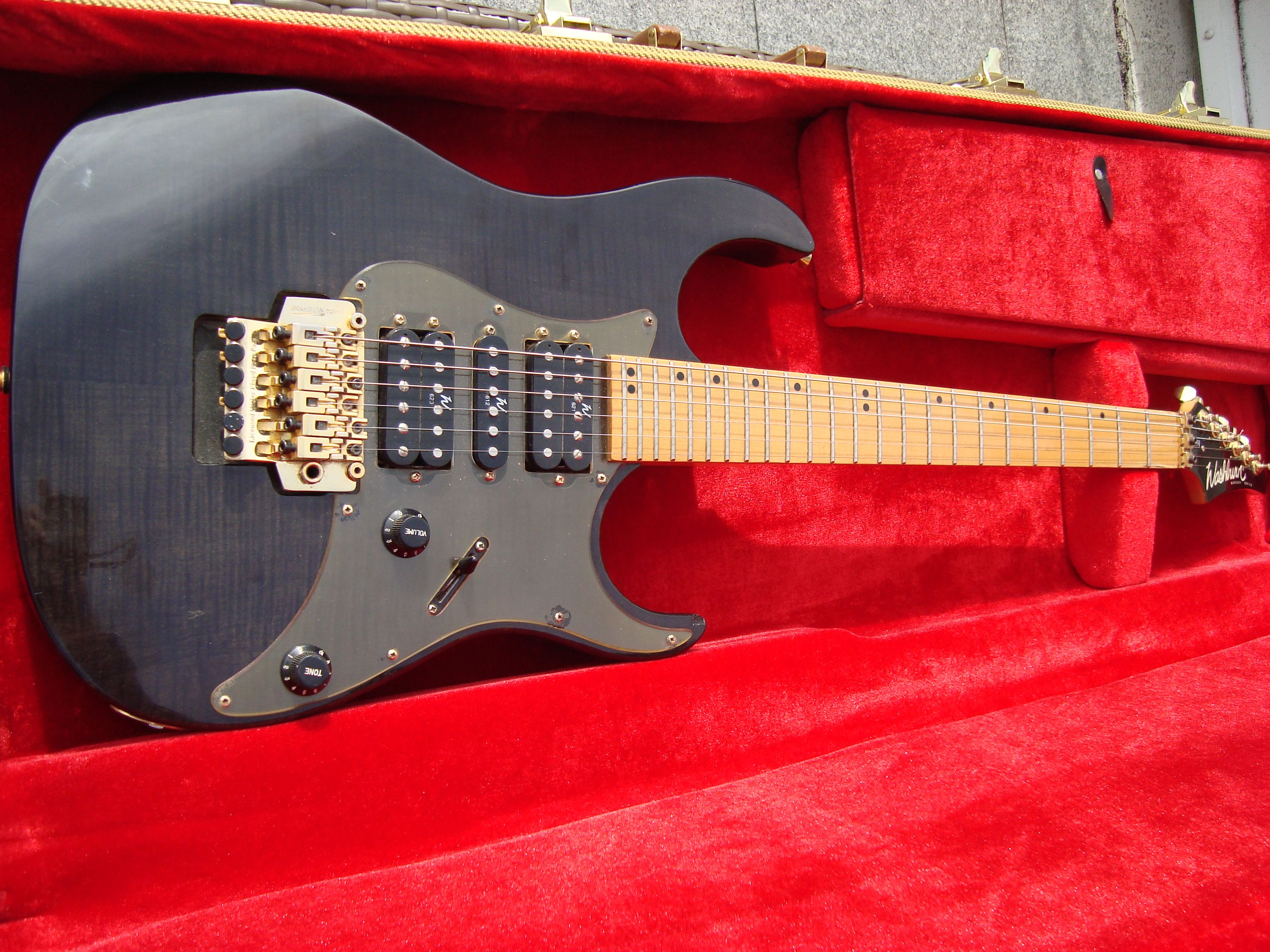 Pictures and images Washburn MG74 - Audiofanzine