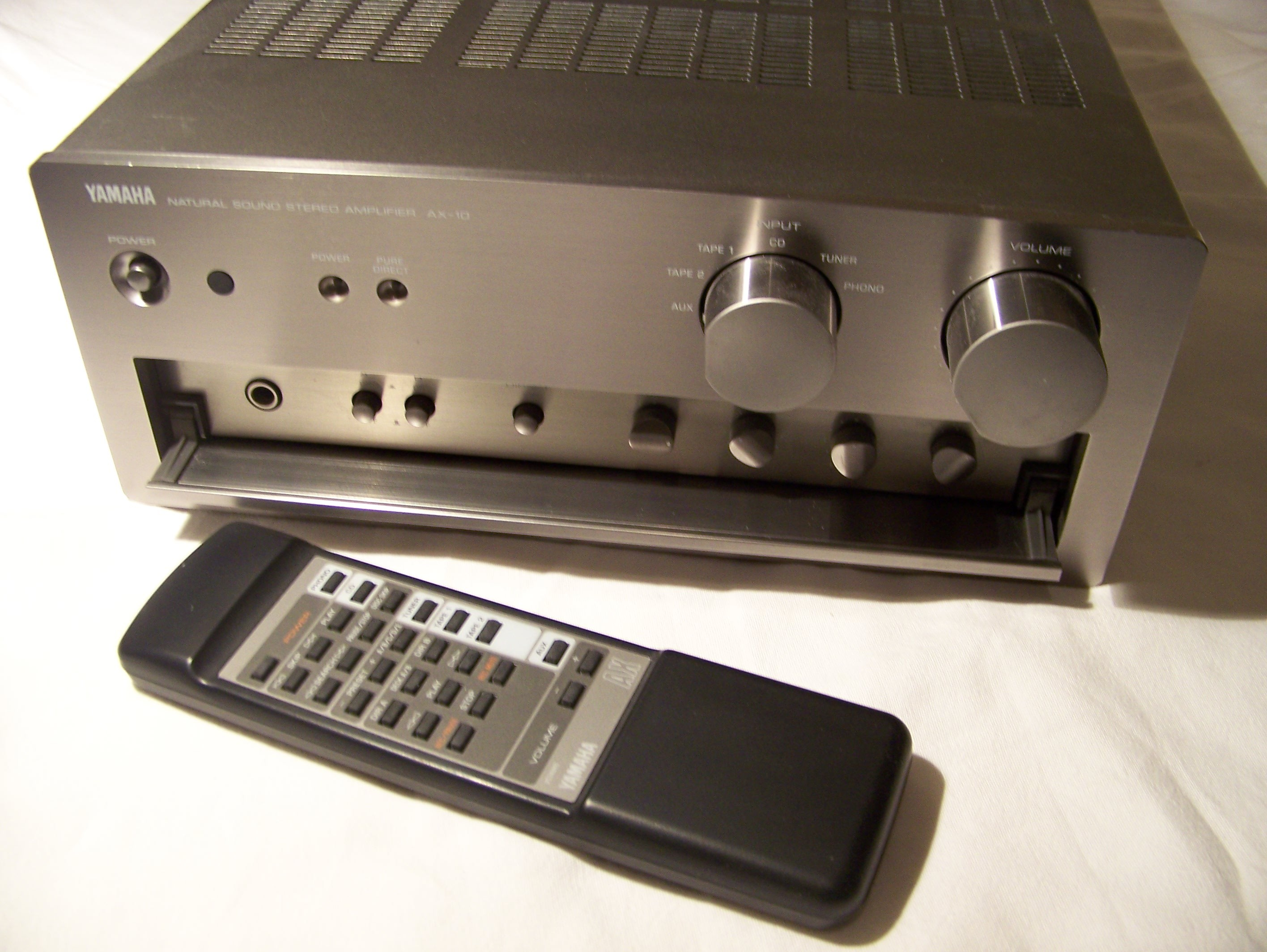 Pictures and images Yamaha AX-10 - Audiofanzine