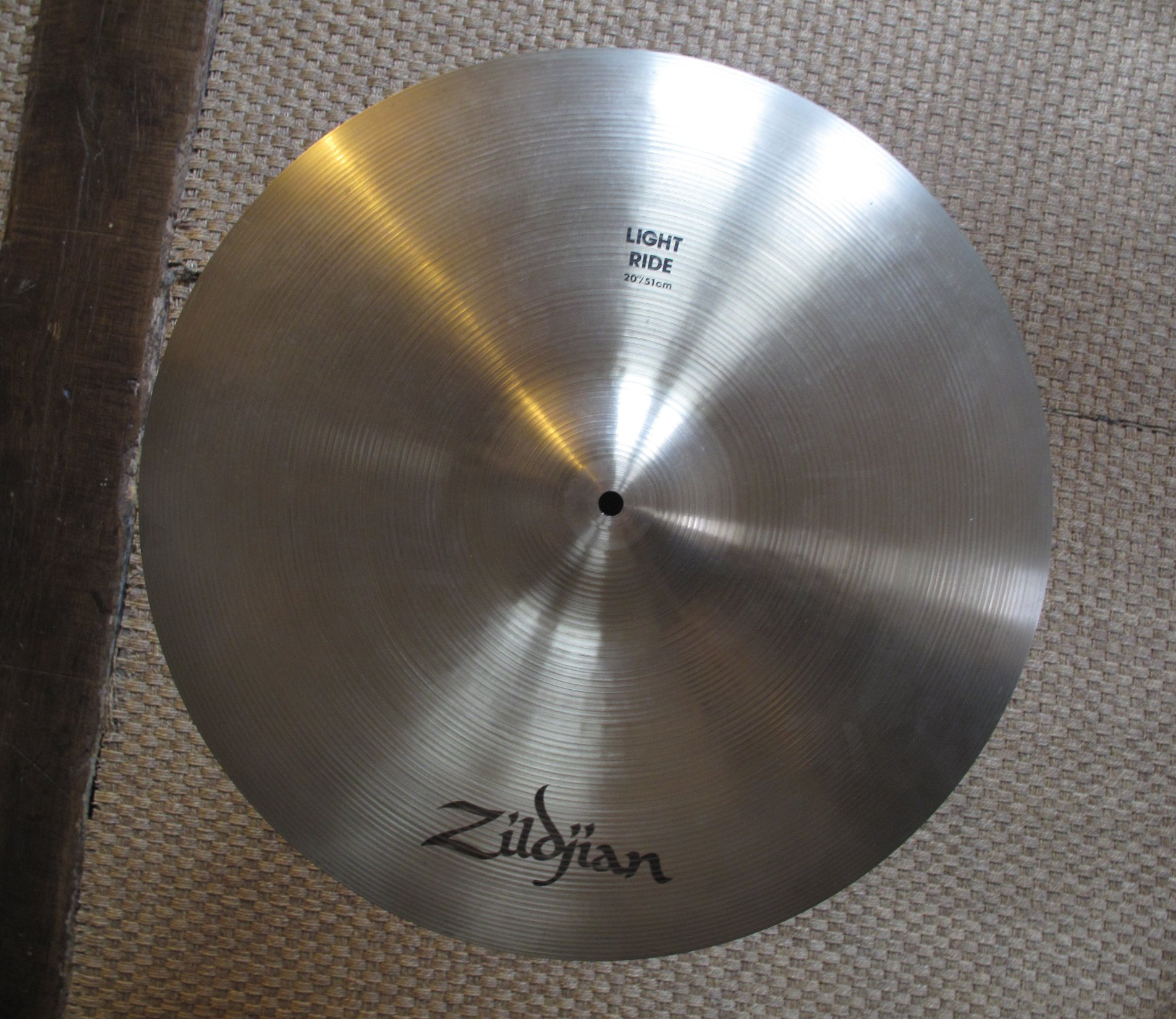 dc1baeede7ae Pictures and images Zildjian Avedis Light Ride 20