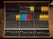Une console de mixage modulaire chez Looptrotter