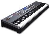Vends clavier maître Midi AKAI MPK88