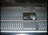 Soundcraft Ghost 24 avec Bargraph