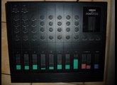 YAMAHA KM802 (console analogique)