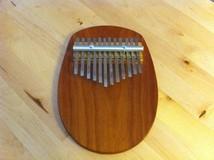 Catania Folk Instruments Inc. Piano à pouce 12 notes