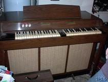 Chamberlin Music Master Model 660