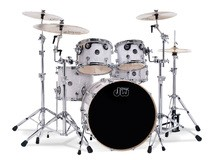 DW Drums Performance Series - White Marine FinishPly™ with Chrome Hardware