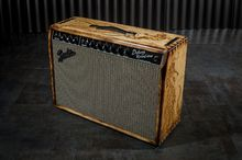 Fender `64 Deluxe Tiki