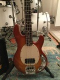 Music Man Stingray 4 2eq